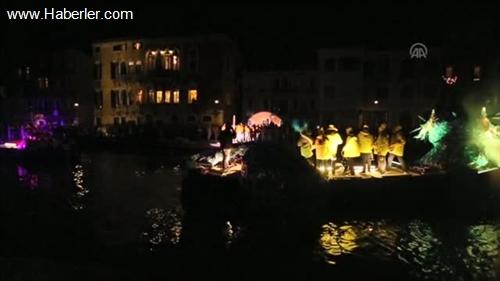Tarihi Venedik Karnavalı başladı -