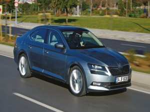 TEST Skoda Superb 1.6 TDI