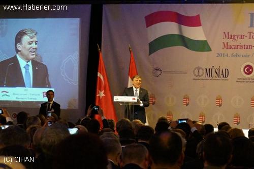 Cumhurbaşkanı Gül: Macaristan'la Rakip Değiliz, Yatırımlar Karşılıklı Olmalı
