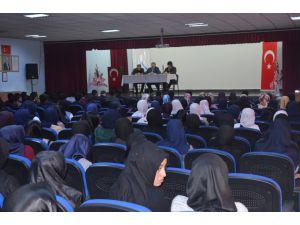 Van'da Özalp'ta 'Kariyer Sohbeti' Programı