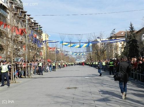 Kosova'da Bağımsızlığın 6. Yıldönümü Coşkuyla Kutlandı