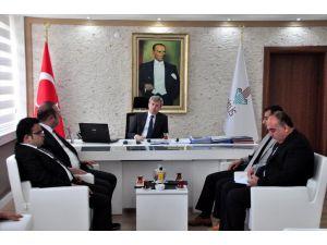Vali Çınar, Gazetecilerle Buluştu