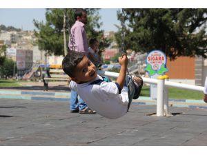 Şanlıurfa Eyyübiye'de 109 Parkta Sigara İçmek Yasaklandı
