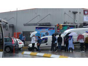 İstnabul'da Yağmur Etkili Oldu