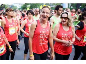 Yüzlerce Kadın Bağdat Caddesi'nde Spor Olsun Diye Koştu