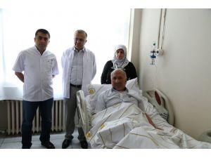 Diyarbakır'da İlk Defa Kapalı Yöntemle Yapay Mesane Ameliyatı Yapıldı