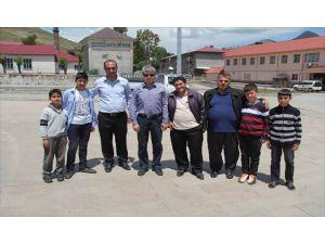 Vali Çınar, Resim Sergisini Gezdi