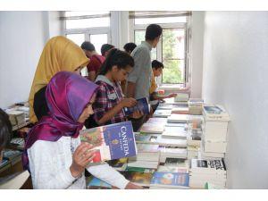 'Okuyorum Bingöl'de Aydınlık Bir Gelecek Kuruyorum' Projesi
