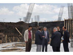 Tatvan'da Yeni Belediye Binasının Yapımı Sürüyor