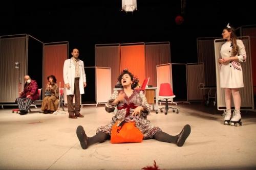 İBB Şehir Tiyatroları'nın Yeni Oyunu: Kes ve Kaç