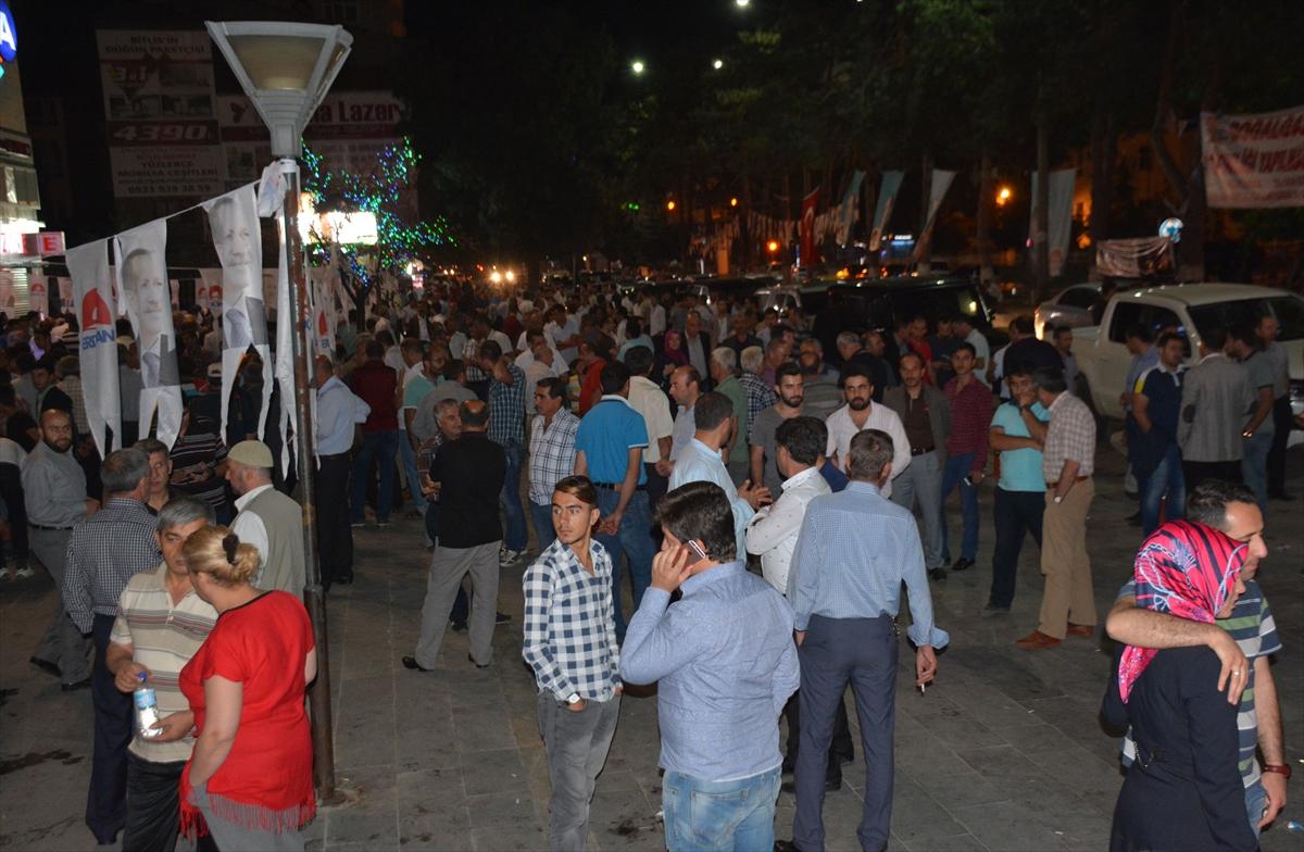 Bitlis'te Demokrasi Nöbeti Sürüyor