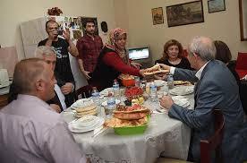 Kılıçdaroğlu, Apartman Görevlisinin Evinde İftar Yaptı