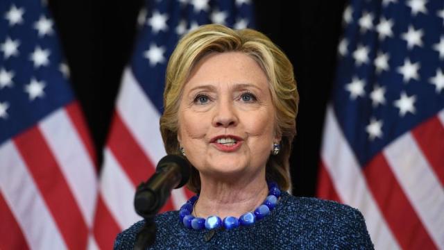 Clinton Fbı'dan, Hakkındaki Yeni Soruşturma İçin Açıklama İstedi