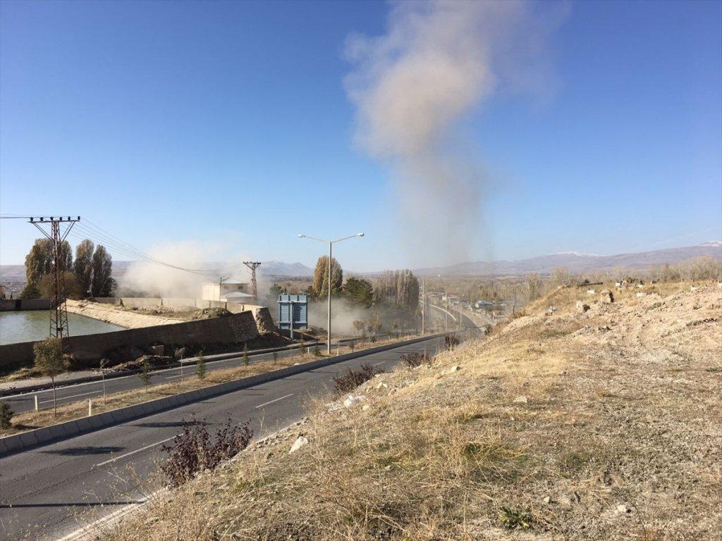 Van'da PKK'lı teröristlerce El Yapımı Patlayıcı İmha Edildi