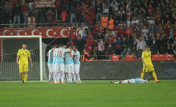 Türkiye-Kosova maçı yazar yorumları ? Türkiye-Kosova maçı özeti
