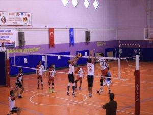Türkiye Voleybol Federasyonu Voleybol: 2 Lig Maçını Lalezar Spor Kazandı