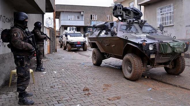 Van'daki Terör Operasyonunda 37 kişi yakalandı