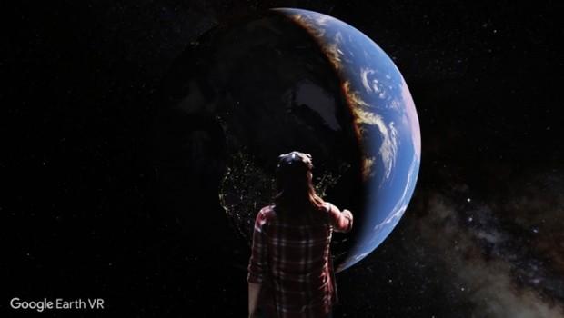 Google Earth herkesi uzaya götürüyor ! Şimdi İndir