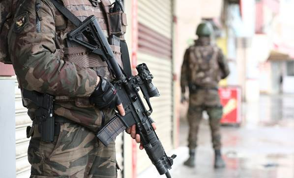 Malazgirt Belediye Başkanı ve beraberindeki 4 kişi gözaltına alındı