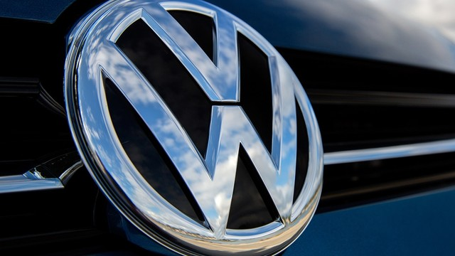 Volkswagen yine şaşırttı ! 30 bin kişiyi işten çıkaracak
