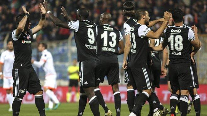 Beşiktaş-Benfica maçı hangi kanalda? TRT Açıklama yaptı