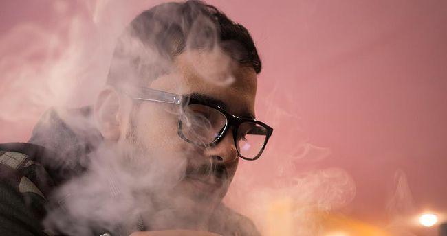 Elektronik sigara akciğer kanseri riski ne kadar ? Elektronik sigara hastalık belirtileri