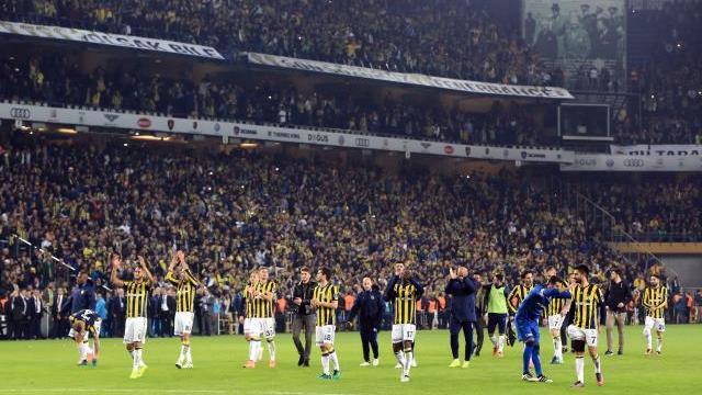 Fenerbahçe son 5 sezonda Kasım aylarında bugüne kadar maç kaybetmedi ?