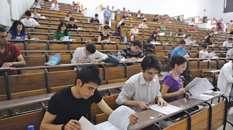 Sınava hazırlanan öğrenciler için kitap toplama kampanyası