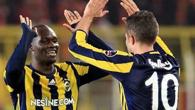 Fenerbahçe'nin Beşiktaş derbisinde gol silahı, Van Persie ve Sow
