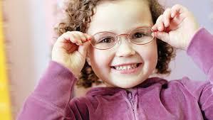 Önemsiz Sanılan Çocuklarda gözlük kullanımına dikkat !