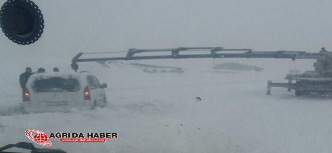 Ağrı Taşlıçay Karayolunda Trafik Kazası !