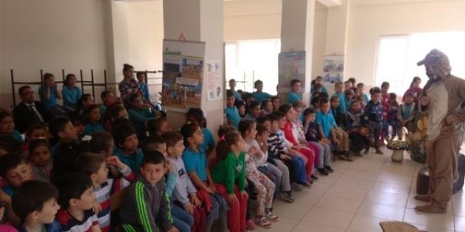 Köy Okullarındaki Öğrencilere tiyatro sürprizi