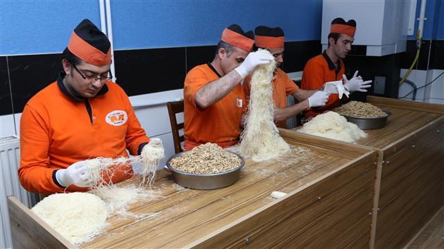 Ramazan ayının başlamasıyla tatlı satışlarının artması üreticilerin yüzünü güldürdü