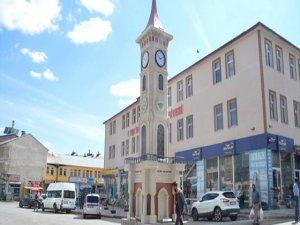 İzmit Belediyesinden Eleşkirt'e Saat Kulesi