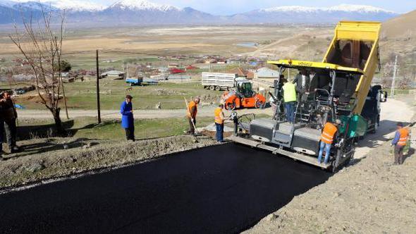 Erzincan'ın Köylerinde Asfalt Çalışmaları
