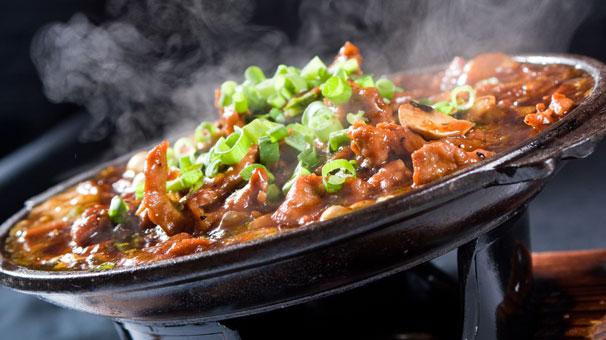 İhtiyaç Sahibi Ailelere 'Kapıya Teslim' Sıcak Yemek