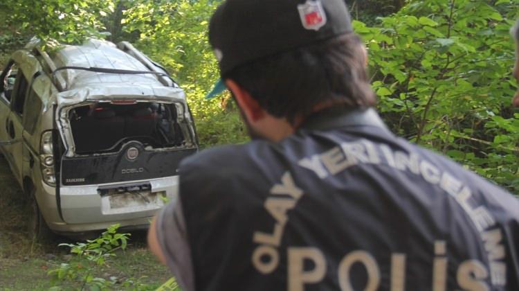 Kars'ta Otomobil Şarampole Yuvarlandı