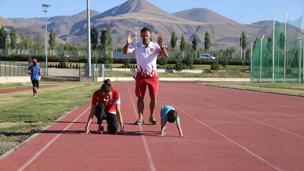 Çelik Ailesinin Atletizm Dolu Hayatı