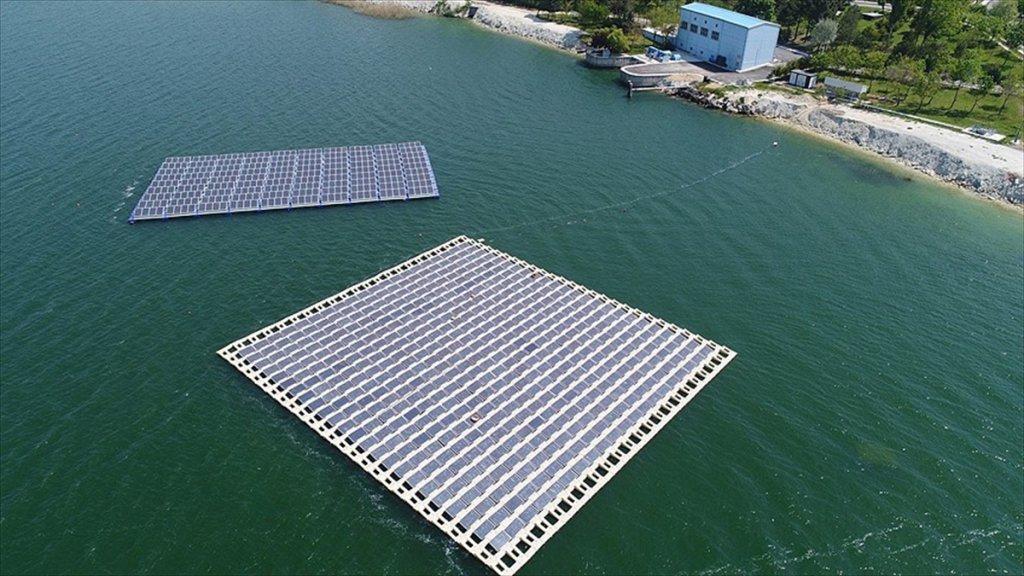 İbb, Türkiye'nin İlk Yüzer Güneş Enerji Santralini Kurdu