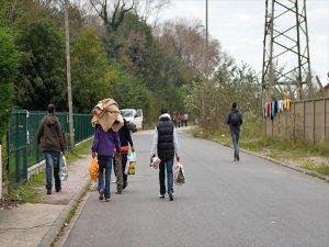 Fransa'da Göçmenlere Yardım Eden Çiftçiye 4 Ay Hapis Cezası