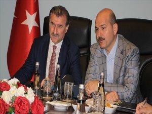 İçişleri Bakanı Soylu: Spor Sahaları Siyasetin Yapılacağı Yer Değildir