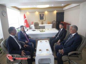 Ağrı Valisi Süleyman Elban, Hamur İlçesinde çeşitli ziyaretlerde bulundu