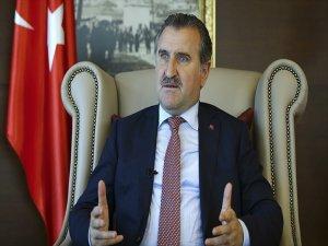 Bakan Osman Aşkın Bak, Milli Atlet Guliyev'i Tebrik Etti