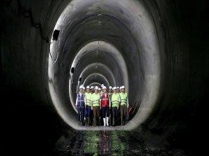 Meci̇di̇yeköy-mahmutbey Metro Hattında Işık Göründü