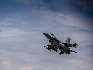 Tsk'dan Kandil'e Hava Harekatı Düzenlendi