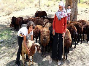 Tortumlu Emriye'nin Hayatı 'Genç Çiftçi Projesi'yle Değişti