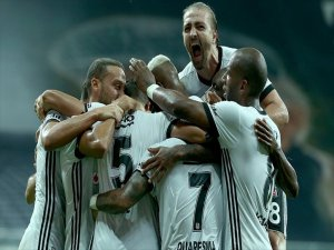 2017-2018 sezonunun ilk maçında Beşiktaş, Antalyaspor'u 2-0 Yendi