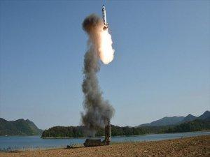 Kuzey Kore, Guam'a Füze Fırlatma Kararını Erteledi