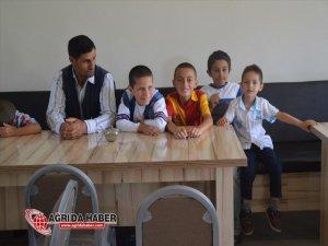 Eleşkirt'te Hayırseverler Tarafından 24 Çocuk Sünnet Ettirildi