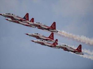 Türk Yıldızları Maçka Şehitleri Anısına Gösteri Yaptı